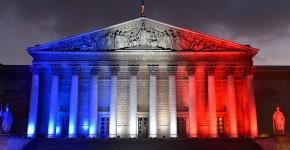 colonnade-en-bleu-blanc-rouge